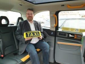 Neben der Taxizentrale Karlsruhe und dem Taxiruf Karlsruhe gibt es seit 2019 eine dritte Taxizentrale in Karlsruhe von Taxi-Holl