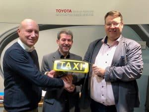 Die Holl AG bestellt für ihren Taxi Karlsruhe Standort 30 Toyota Prius plus um damit den lokalen Emissionsausstoß weiter zu reduzieren.